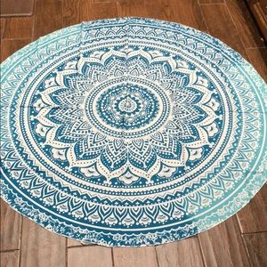 Accessories - MAKE AN OFFER‼️NEW Polyester round Tapestry Scarf